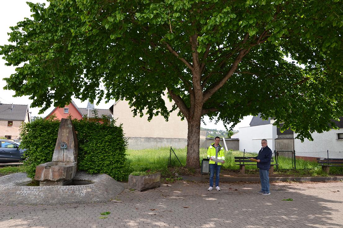 Stadtgärtner bauen neuen Dorfmittelpunkt in Kesselheim