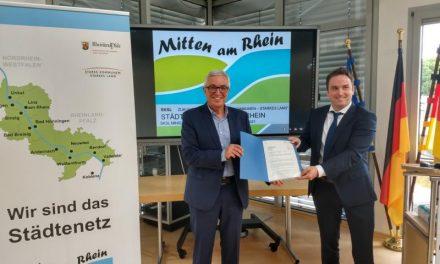 """Eine Region rückt rheinübergreifend zusammen – Minister Roger Lewentz verlängert Projektlaufzeit des Städtenetzwerks """"Mitten am Rhein"""" um weitere zwei Jahre"""