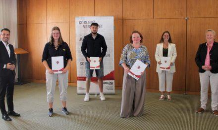 Verleihung der Ehrennadeln der Stadt Koblenz für herausragendes soziales Engagement