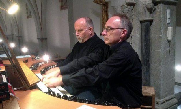 Zwei Gotteshäuser unter einem Dach – Letzte Marktmusik des Jahres